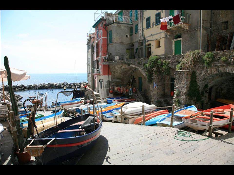 Riomaggiore centre et port