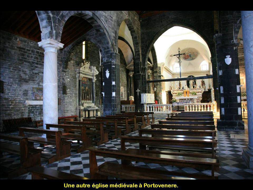 Une autre église médiévale à Portovenere.