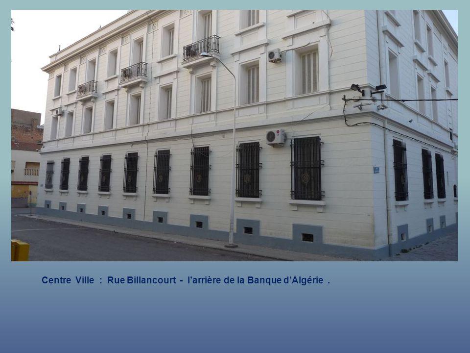 Centre Ville : Boulevard du Général Rollet - La Banque dAlgérie.