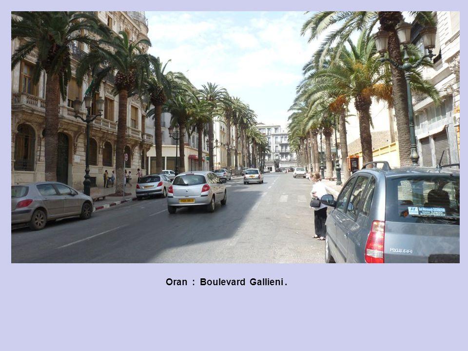 Oran : Boulevard Gallieni.