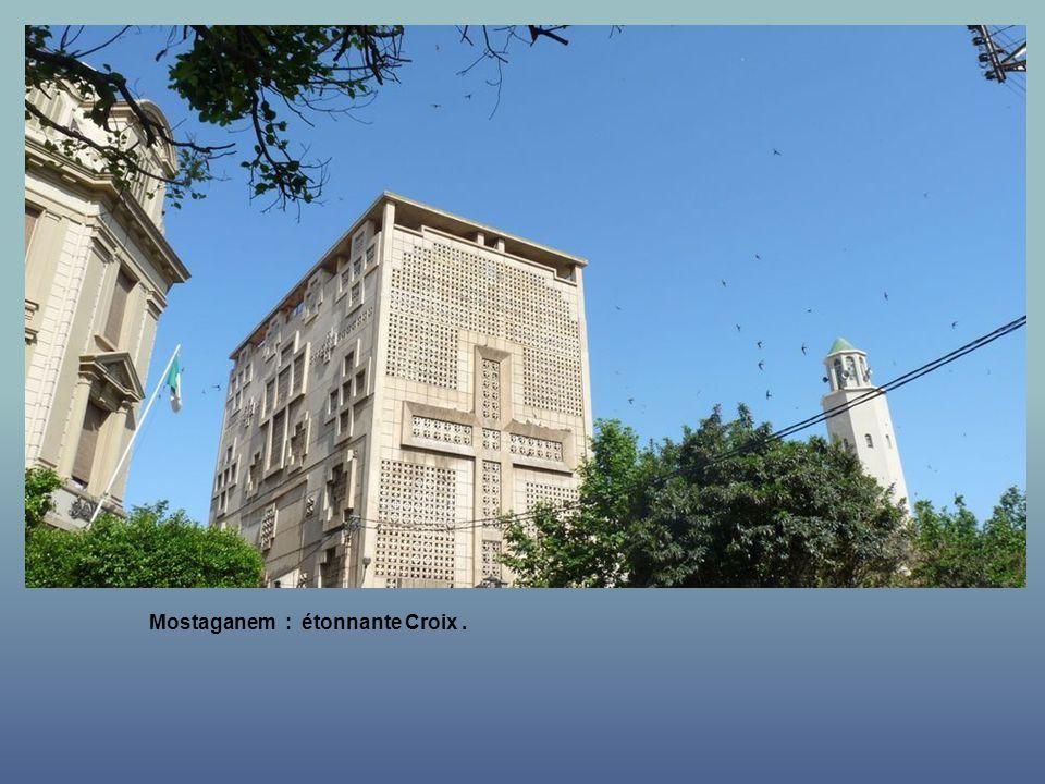 Mostaganem : Centre Ville.