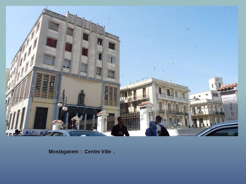 Mostaganem : une rue vers la Mer.