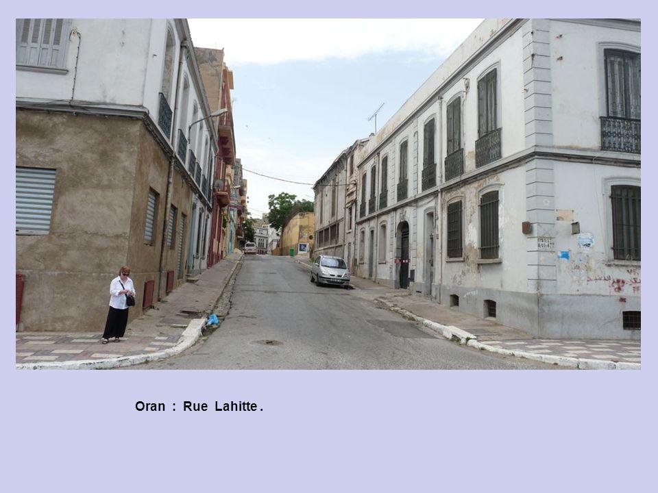 Oran : Panorama sur la ville.