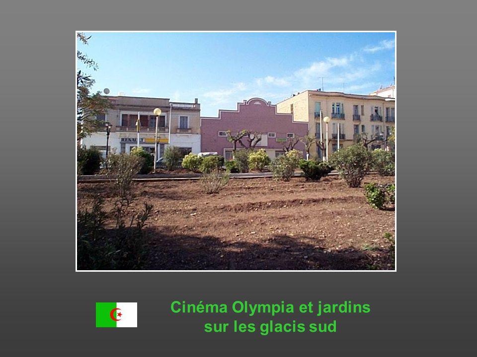 Gare routière, place Didouche Mourad, sur les glacis nord, Bd de Verdun Gendarmerie Lycée Laperrine agrandi Hôtel des Finances
