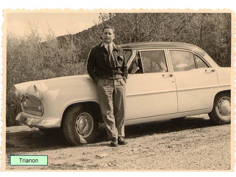 1954 : Simca rachète lusine Ford France de Poissy et produit la nouvelle gamme Vedette 1955 : Gamme Simca Vedette (à moteur V8) Trianon Versailles Régence Coupé Comète Break Marly