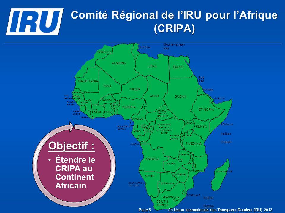 Page 17(c) Union Internationale des Transports Routiers (IRU) 2012 LIRU et la CEA-ONU posent les bases dune future coopération en Afrique Rabat, 19 septembre 2012 LIRU rencontre la Directrice de la Commission Economique des Nations Unies pour lAfrique (CEA-ONU), Mme Karima Bounemra Ben Soltane, Les deux parties ont réaffirmé leurs objectifs communs en matière de facilitation des échanges et du transport routier international sur le continent, en incitant notamment les Etats africains à adhérer aux instruments multilatéraux clés de lONU pour la facilitation et la sûreté, tels que les Conventions dharmonisation et TIR.