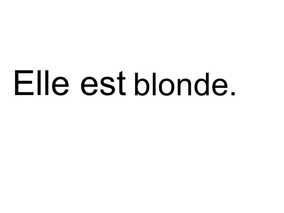 blonde. Elle est