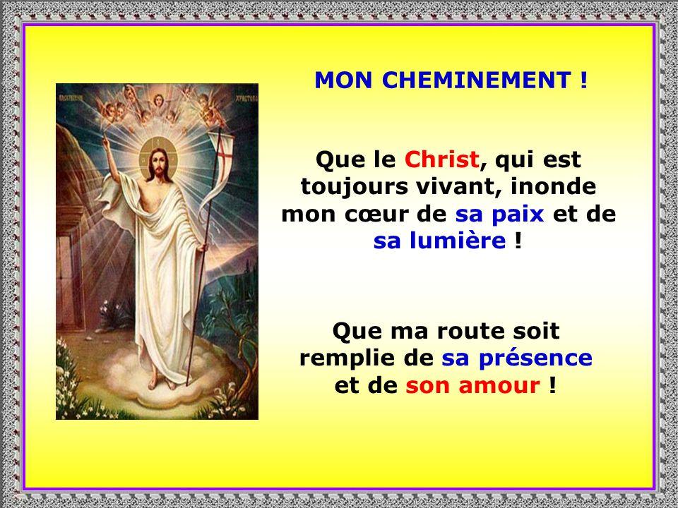 . Jésus est là et il me tend la main Il minvite à le suivre Sur le chemin de sa Parole et de son Pain de vie.