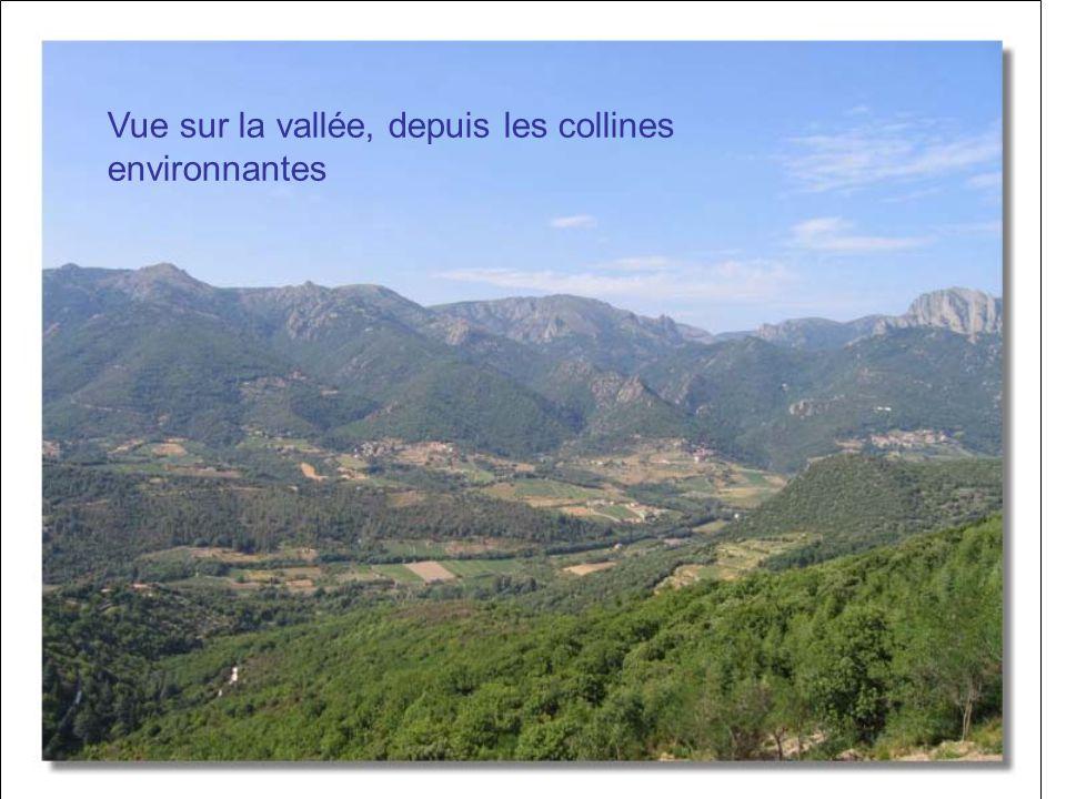 Vue sur la vallée, depuis les collines environnantes