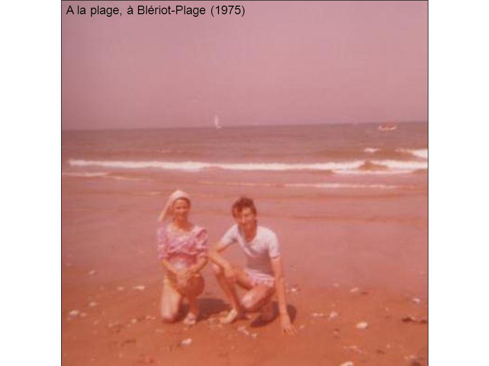 A la plage, à Blériot-Plage (1975)