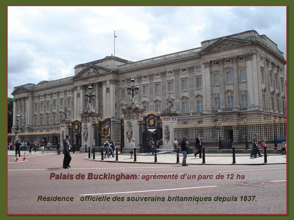 Albert Mémorial Monument érigé dans Kensington Garden en lhonneur de lépoux de la reine Victoria