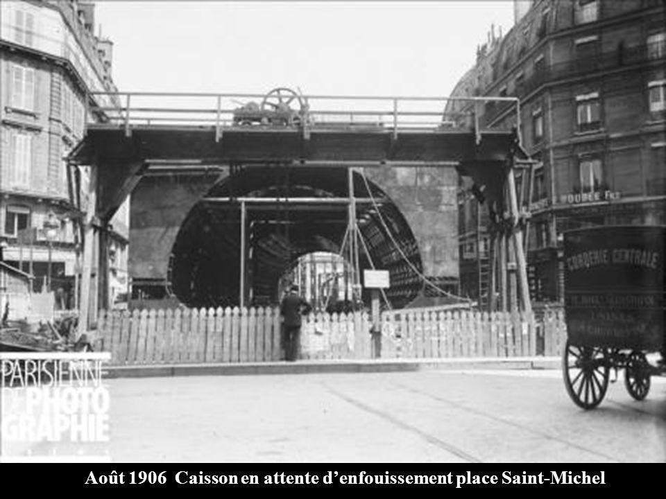1900-1905 Préparation du coffrage pour la station St-Michel
