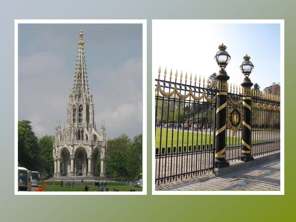 Le palais royal à Laeken avec le parc
