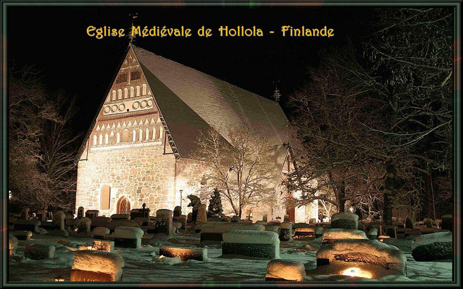 Eglise Médiévale de Hollola - Finlande