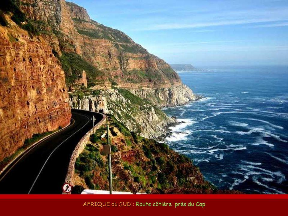 CHINE CHINE : Route Tian Men Shan, dans la Province de Hunan.