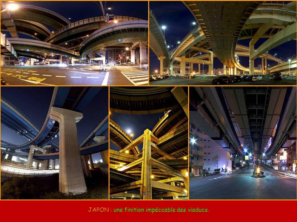 CALIFORNIE CALIFORNIE (USA) : Los Angeles - Échangeur Juiz Harry Pregerson, entre les Autoroutes I-105 et I-110.