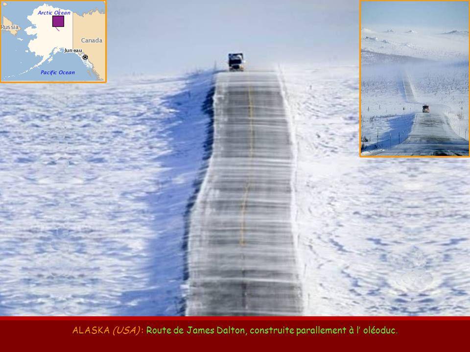 ARIZONA – UTAH ARIZONA – UTAH (USA) : Route n° 163, en direction de Monument Valley.