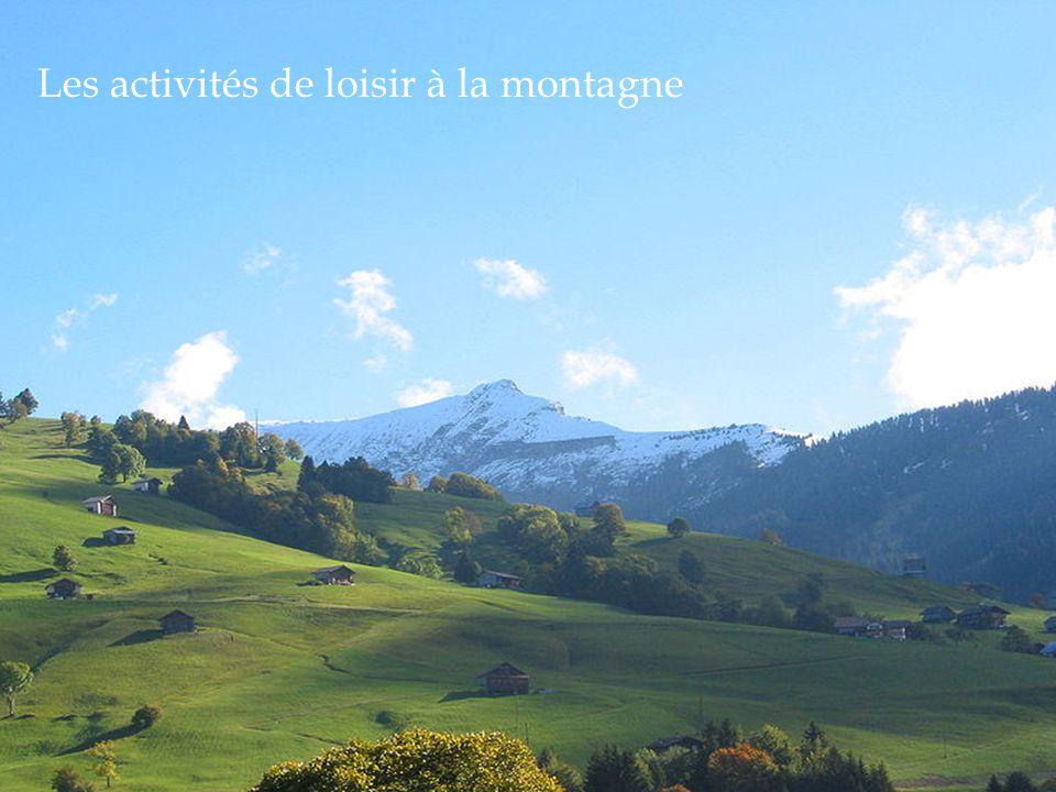 A la montagne on fait beaucoup dactivités Le verbe FAIRE: Je fais, tu fais, il fait, nous faisons, vous faites, ils font.