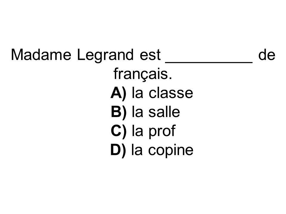 On __________ un examen en biologie. A) passe B) passes C) passons D) passent