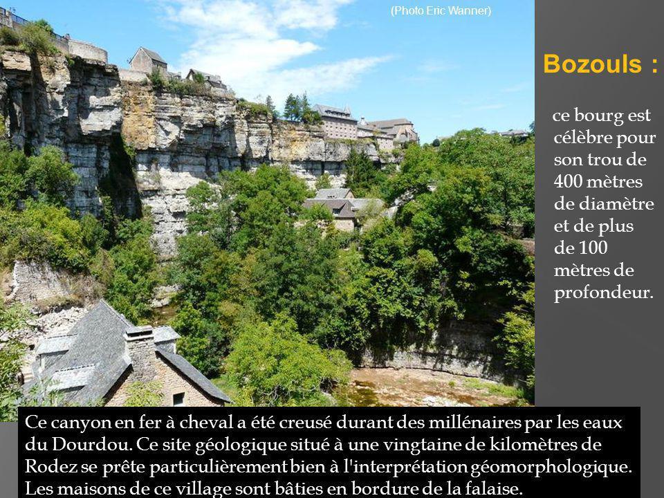 Au XIIe siècle, la commune comptait cinq châteaux et trois églises.