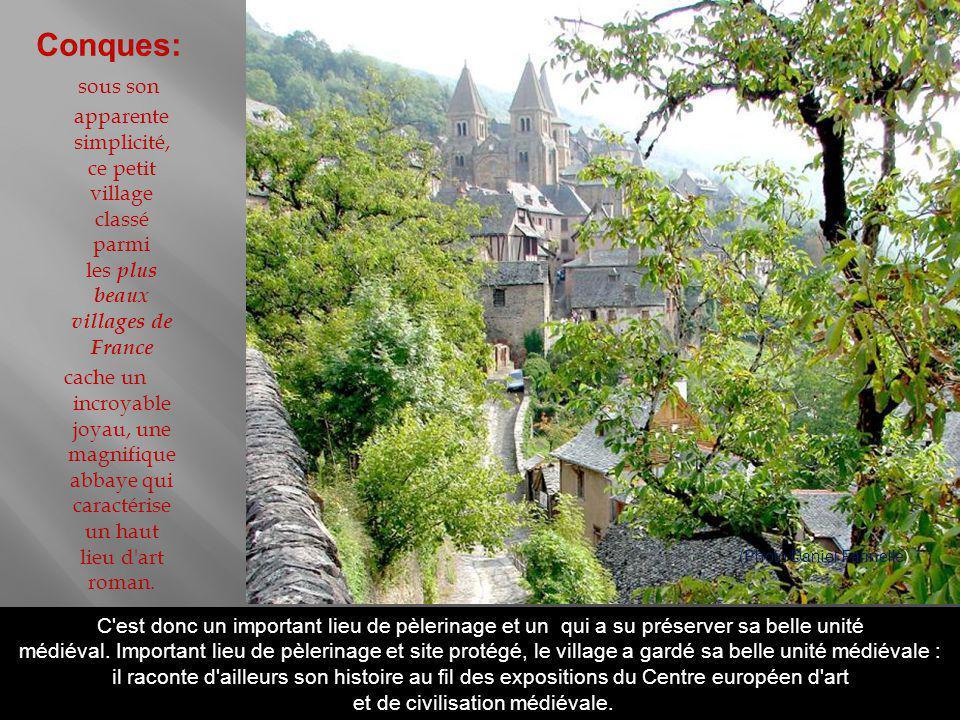 Point de résistance huguenote, il a été assiégé et mis à sac en 1556 par les troupes catholiques, et en partie incendié.