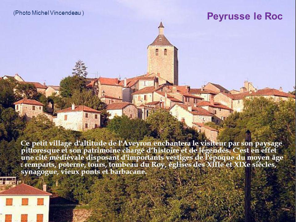 sur l ancienne route du sel et de St Jacques de Compostelle, la bourgade classée parmi les plus beaux villages de France est un castelnau baigné par l Aveyron, dominant fièrement du haut des tours de son château le beau paysage.