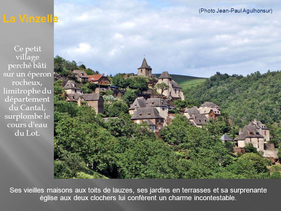 Ce petit village d altitude de l Aveyron enchantera le visiteur par son paysage pittoresque et son patrimoine chargé dhistoire et de légendes.