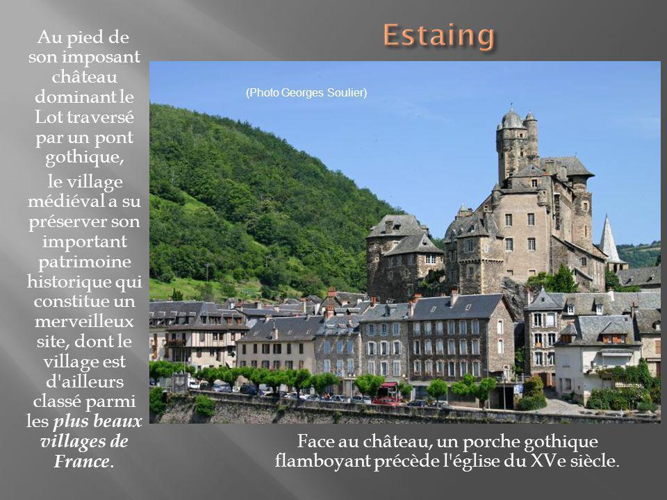 Le bourg se situe au confluent du Lot et de La Truyère.