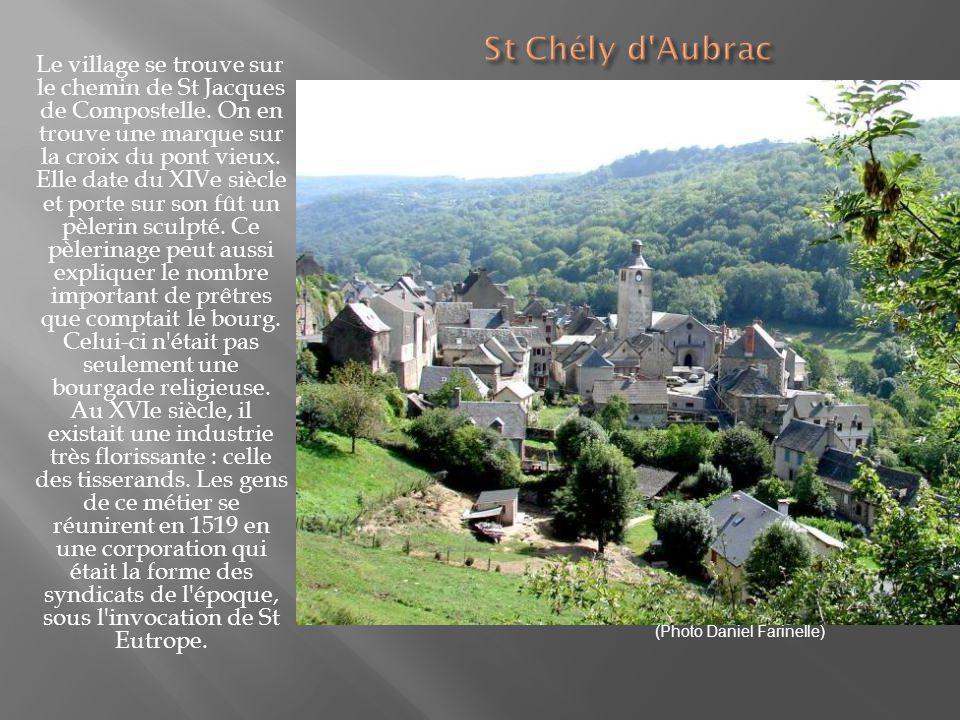 Au milieu des prairies verdoyantes où serpente le cours d eau de la Serre, le beau petit village du Pays d Olt possède une jolie église romane, des ruines de thermes gallo romains ainsi que les ruines du château de La Roque Valzergues.