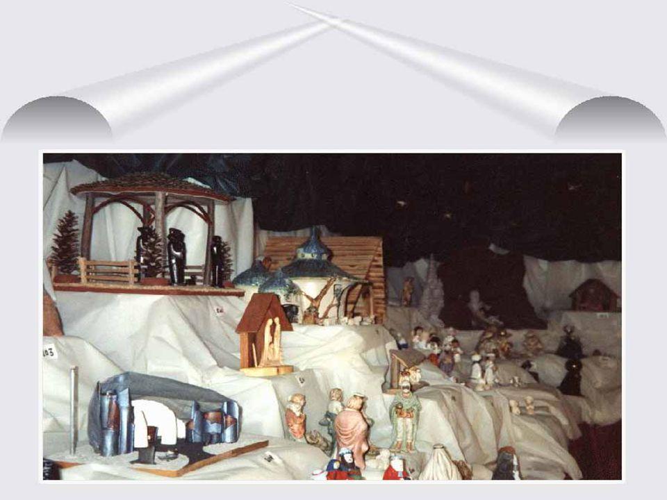 Naïvement, dévotement, Ils dormiront dans du coton. En rêvant, du doux chant. Noël, Joyeux Noël.