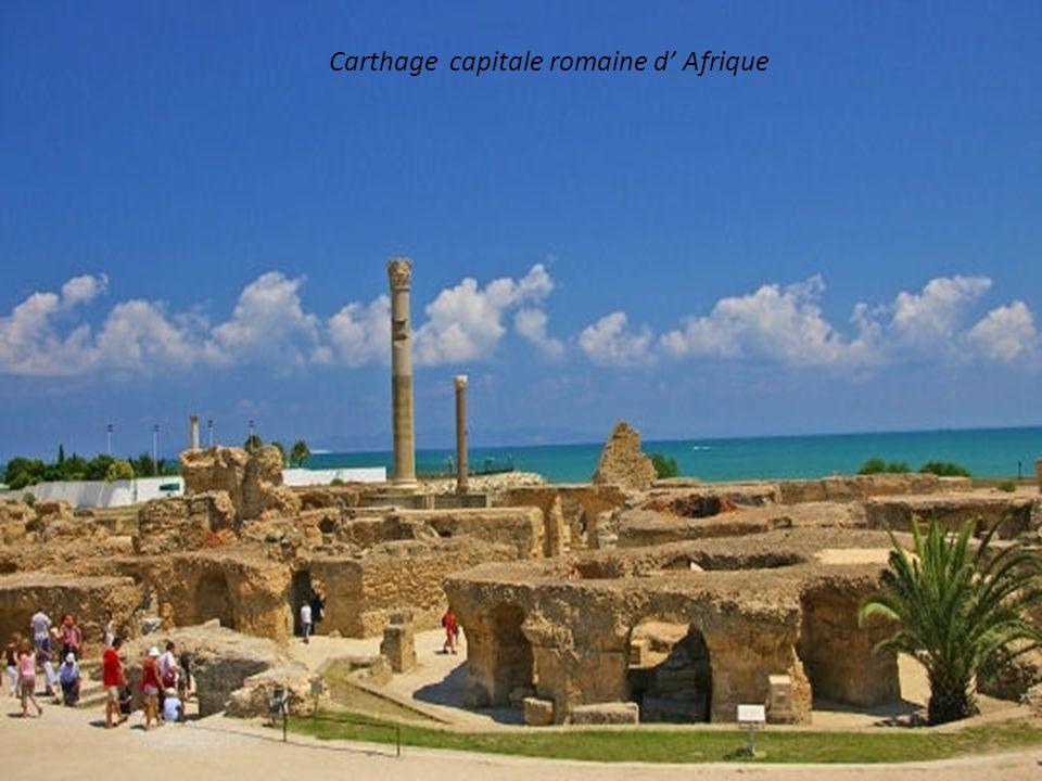 Colisée d El Jem, vestige romain en Tunisie (238 après JC)