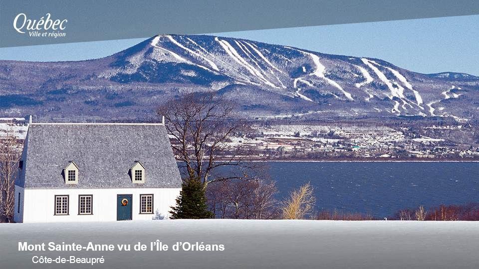 Mont Sainte-Anne vu de lÎle dOrléans Côte-de-Beaupré