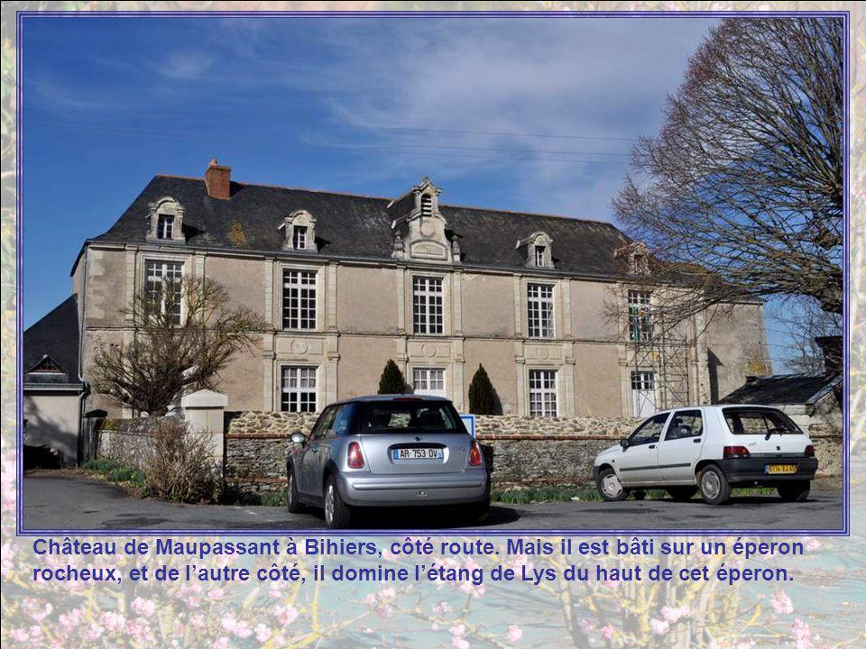 A La Salle de Vihiers, limpo- sante maison de retraite Rose Giet. Rose Giet a été la première Fille de la Charité du Sacré Cœur de Jésus, ordre qui ti
