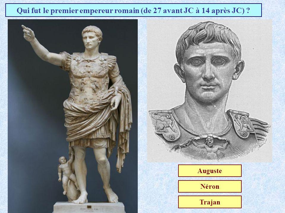Que signifie la phrase de Jules César: « Alea jacta est » ? Hâte-toi lentementLe sort en est jetéQue la lumière soit