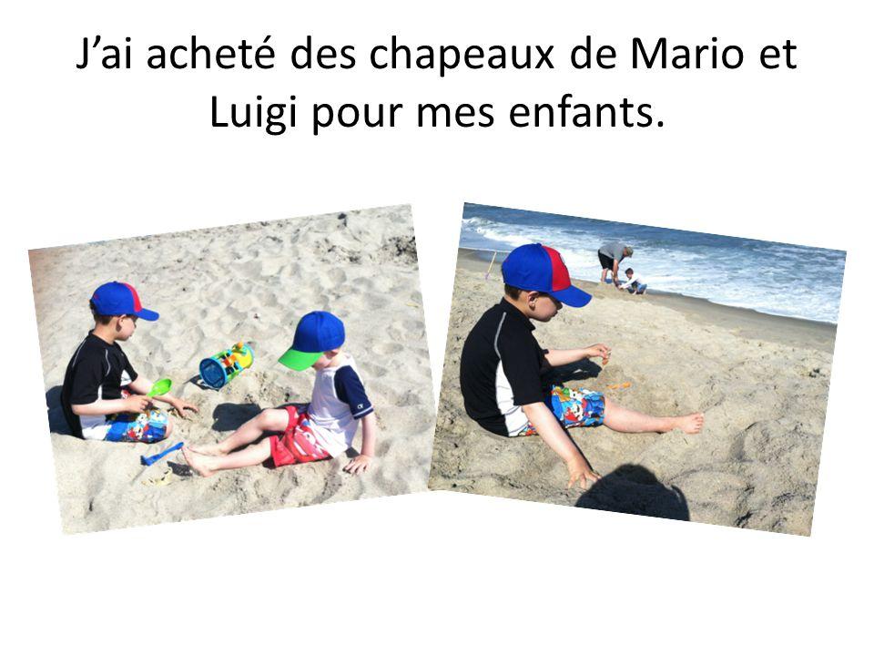 Jai acheté des chapeaux de Mario et Luigi pour mes enfants.