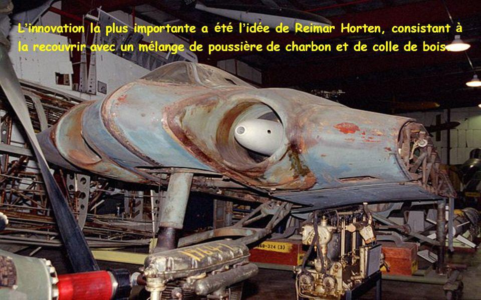 La nacelle é tait faite d un tube en acier soud é, et é tait con ç ue pour être propuls é e par un moteur BMW 003.