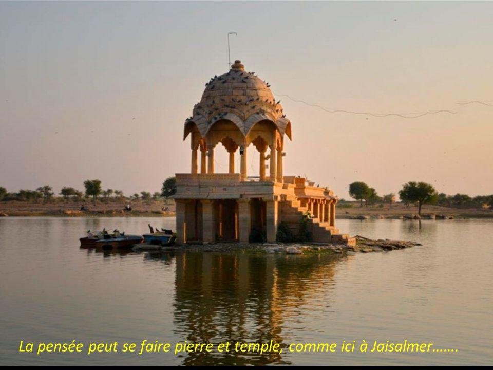 Une pensée de marbre le Taj Mahal (Palais de la Couronne) Un libre vagabondage de Bernard GEORGES, en 2012, agrémenté de quelques considérations perso