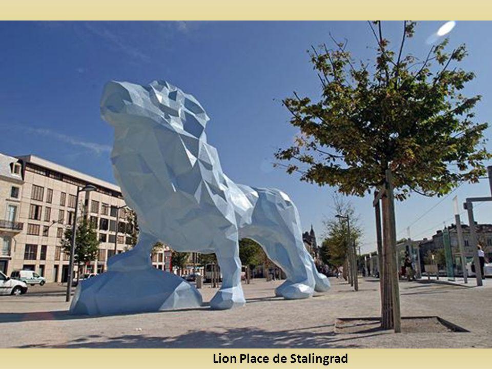 Lion Place de Stalingrad