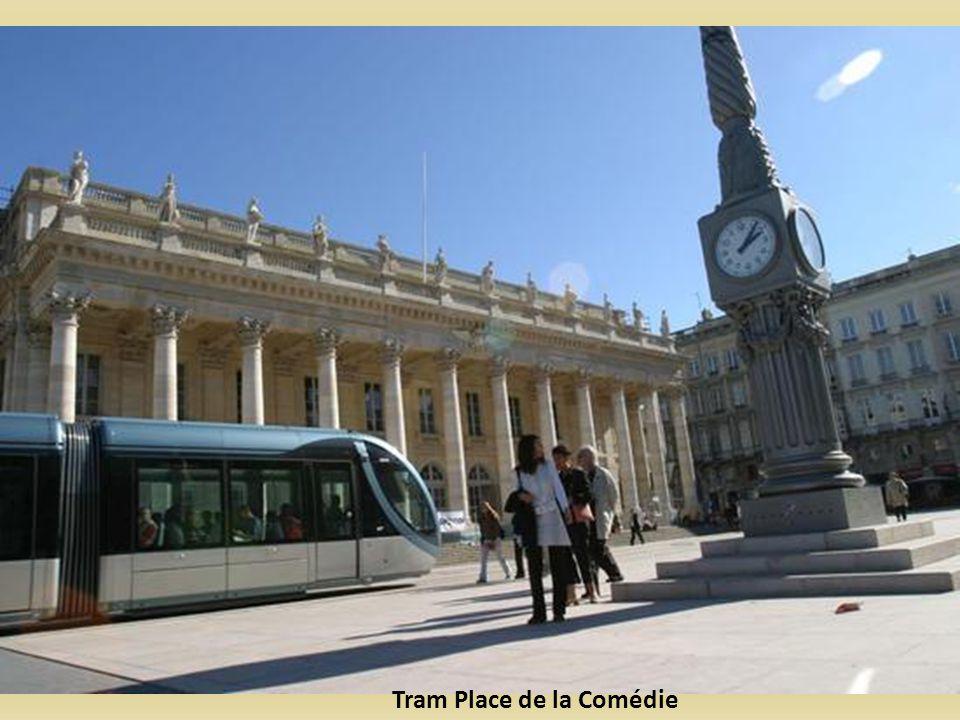 Tram Place de la Comédie