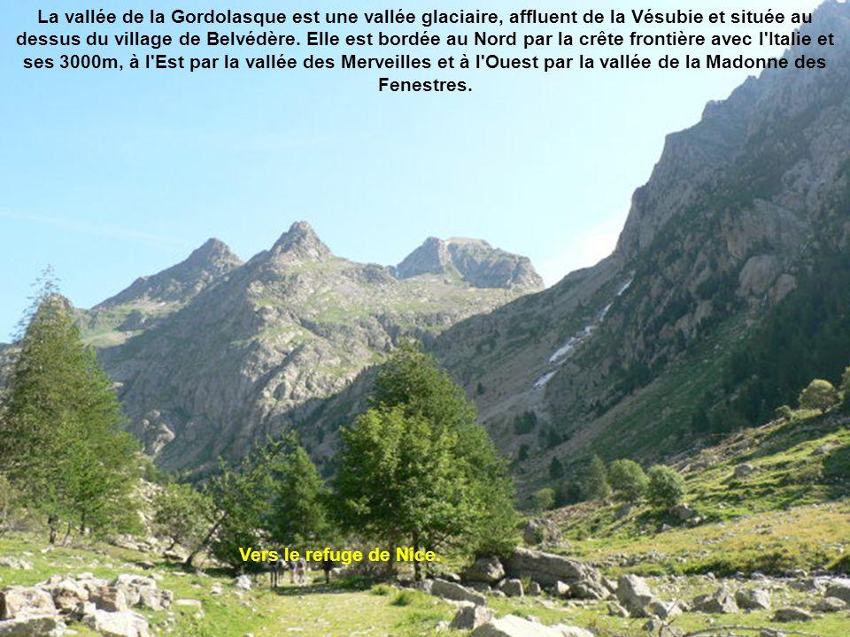 Le refuge de la Val masque est un refuge de montagne des Alpes-Maritimes situé dans le massif du Mercantour.