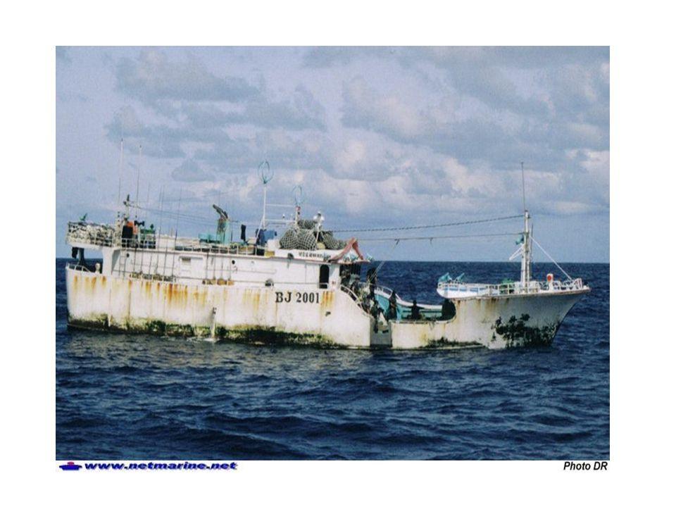En quoi la présence aérienne représente un atout considérable pour les missions de la Marine .