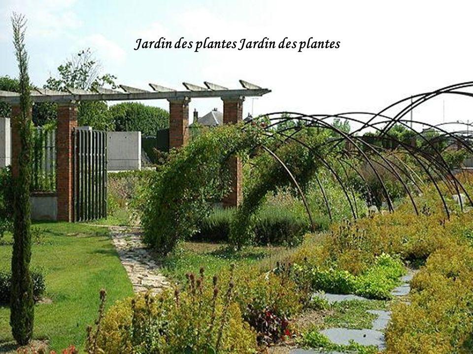 Arc de triomphe dans le parc Pasteur d'Orléans.