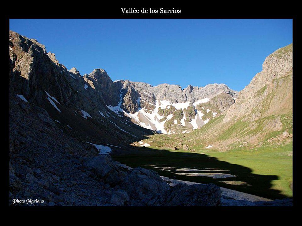 .. Lac d'Estaens (1754m) et pic Gabedaille (2258m)
