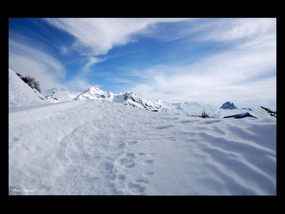 .. La vallée dAspe en hiver