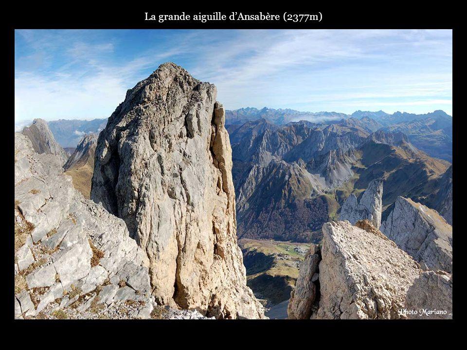 La grande aiguille dAnsabère (2377m).