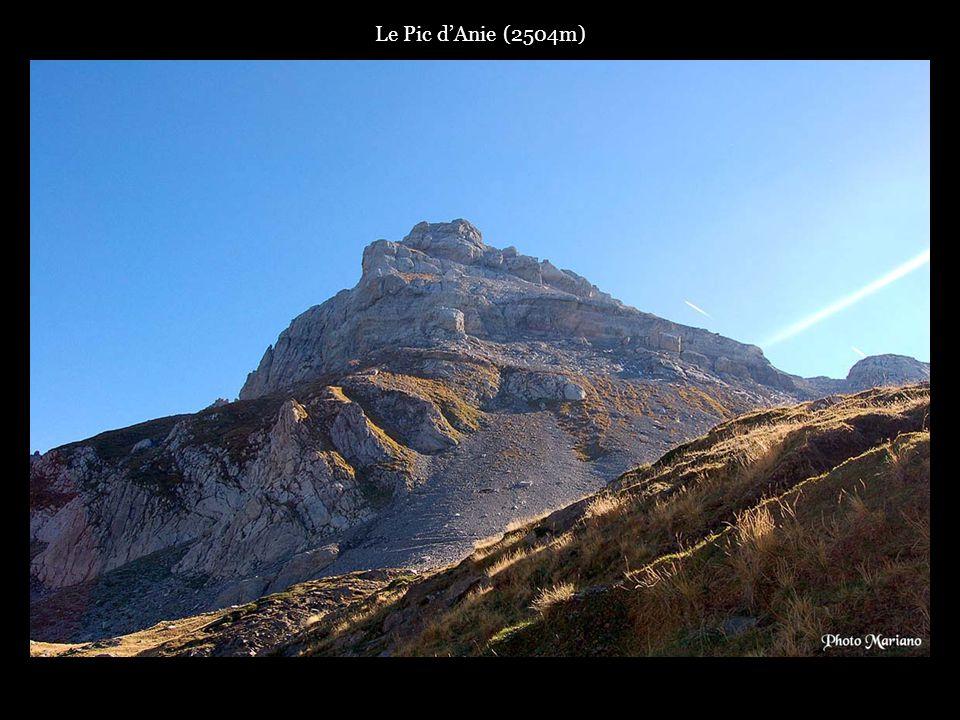 .. Pic dAcherito (2362m).