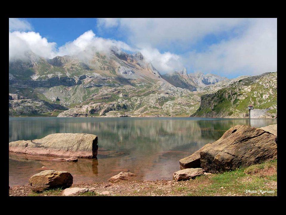 Lac d Estaens (1754m).