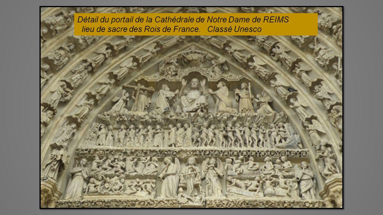 Le Castillet de PERPIGNAN Porte de la ville Musée Catalan