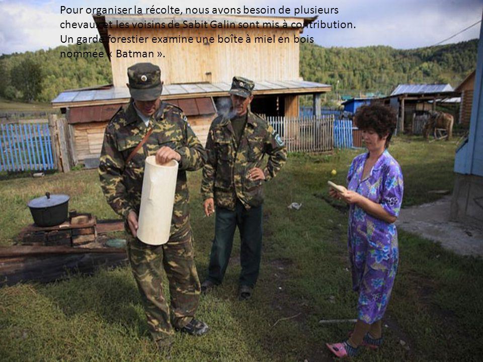 Population rurale, les Bashkirs ont beaucoup denfants ; confiants dans la protection du dieu de lislam.