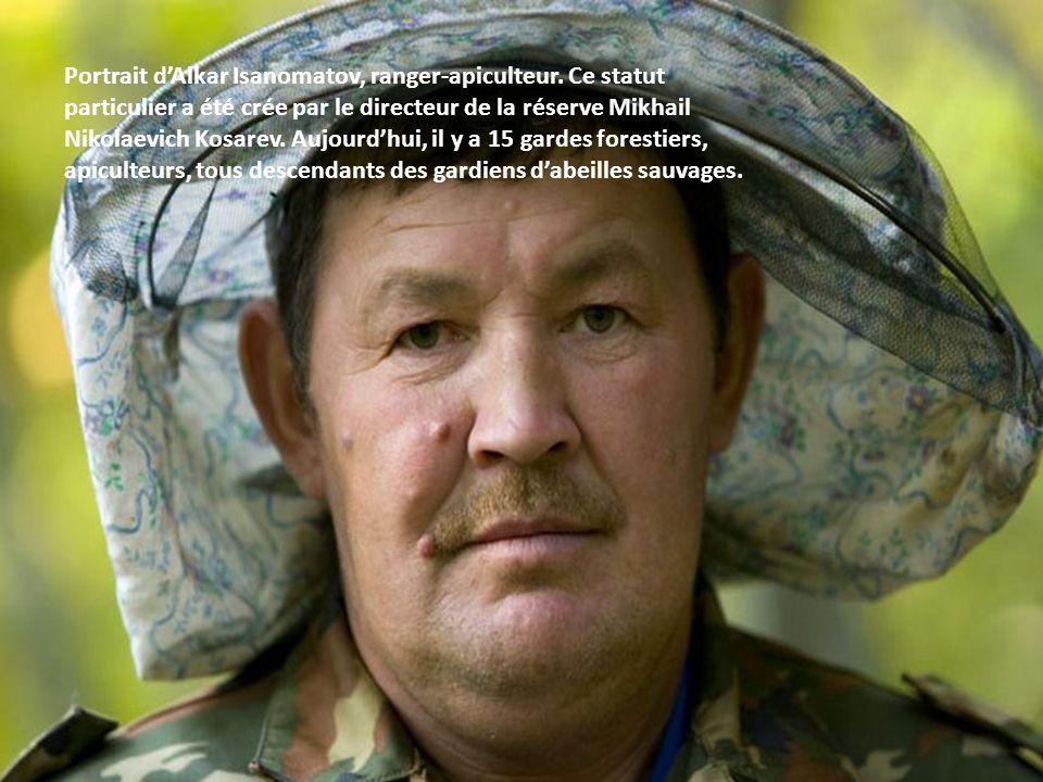 Alkar Isanomatov, Issangugin Sentimir, gardes forestiers apiculteurs. Le directeur de Shulgan Tash, Mikhail Nikolaevich Kosarev a proposé au gouvernem